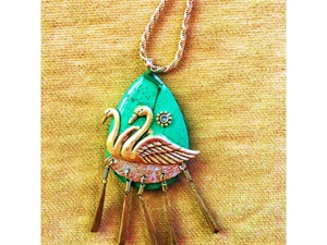 Swan Amore Necklace Pendant
